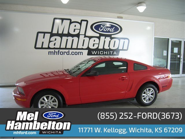 Used Ford Mustang Deluxe
